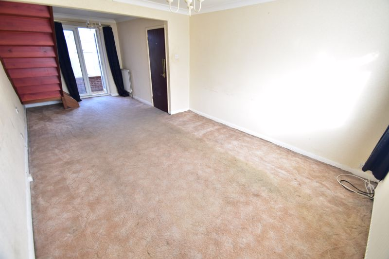 3 bedroom Bungalow to buy in Macaulay Road, Luton - Photo 1