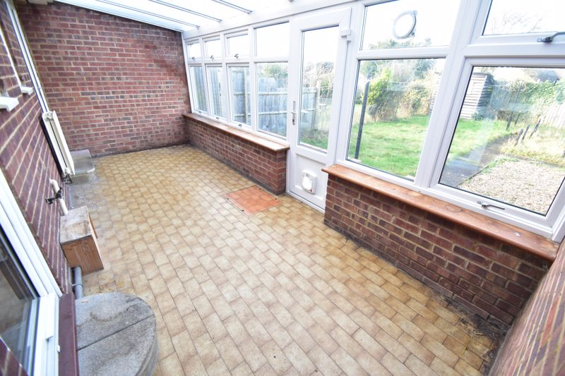 3 bedroom Bungalow to buy in Macaulay Road, Luton - Photo 5