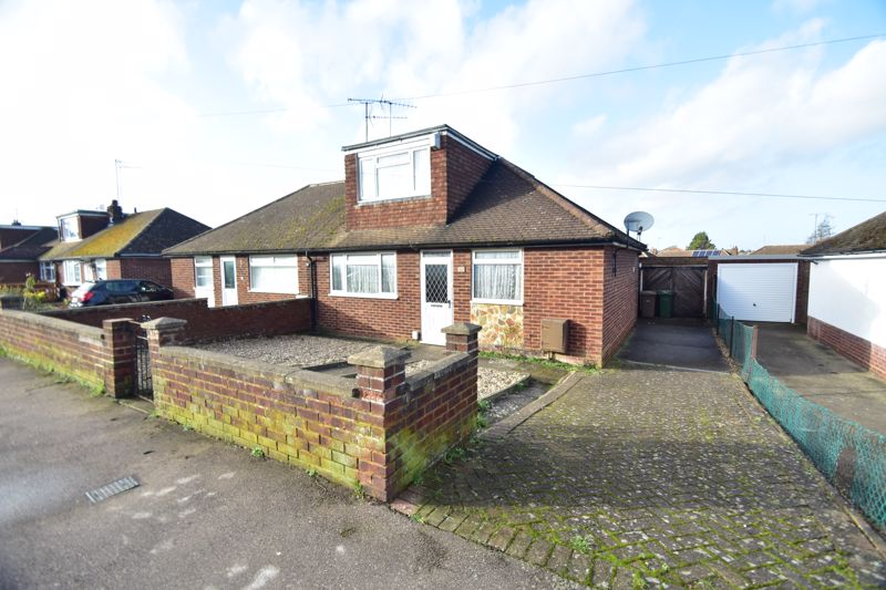 3 bedroom Bungalow to buy in Macaulay Road, Luton