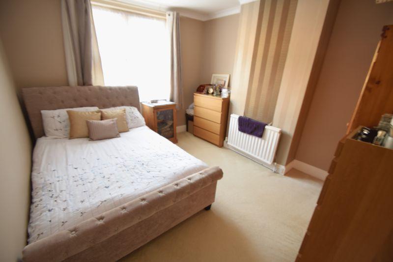 3 bedroom Semi-Detached  to buy in Wardown Crescent, Luton - Photo 8