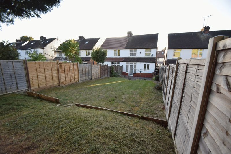 3 bedroom Semi-Detached  to buy in Wardown Crescent, Luton - Photo 2