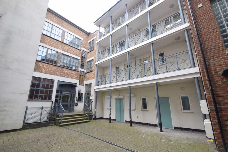 2 bedroom Flat to rent in John Street, Luton - Photo 9