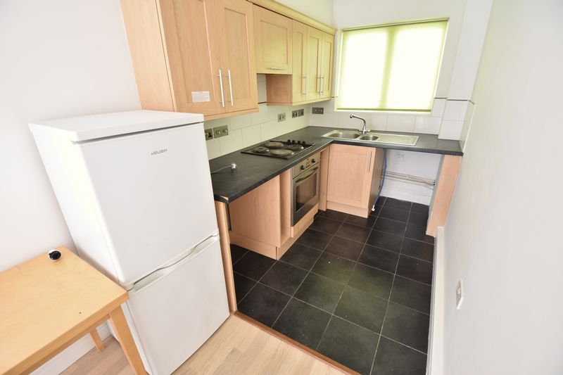 2 bedroom Flat to rent in John Street, Luton - Photo 4
