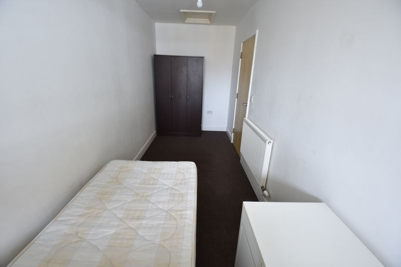 2 bedroom Flat to rent in John Street, Luton - Photo 8