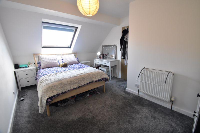 1 bedroom Mid Terrace to buy in Lucas Gardens, Luton - Photo 1