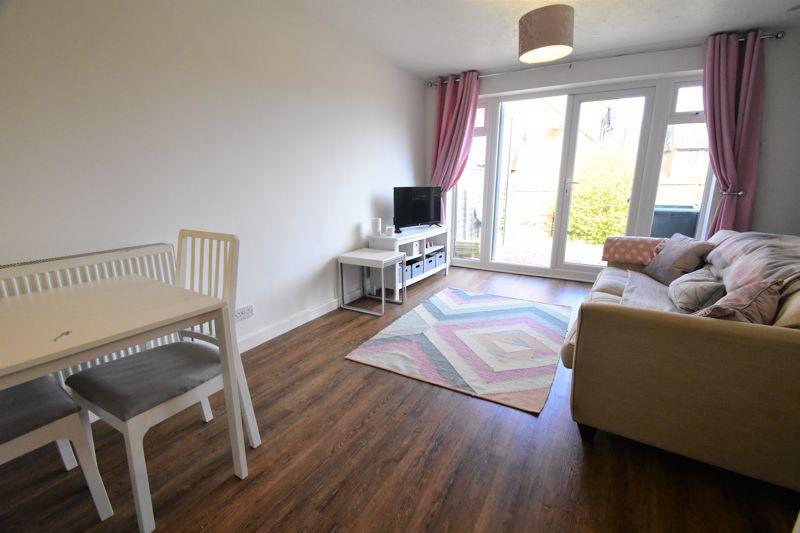 1 bedroom Mid Terrace to buy in Lucas Gardens, Luton - Photo 14