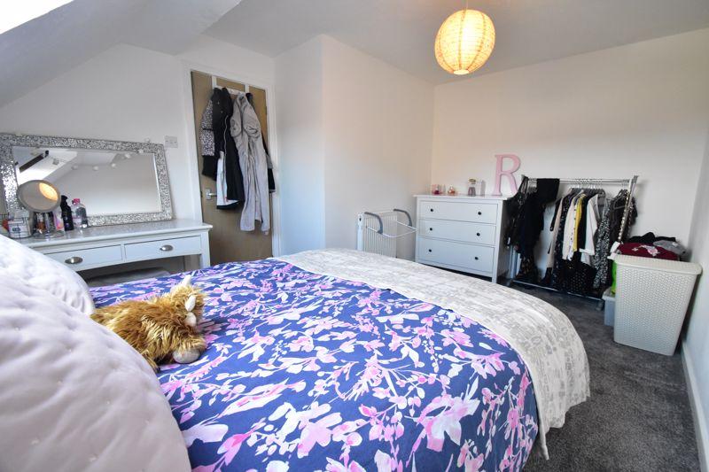 1 bedroom Mid Terrace to buy in Lucas Gardens, Luton - Photo 16