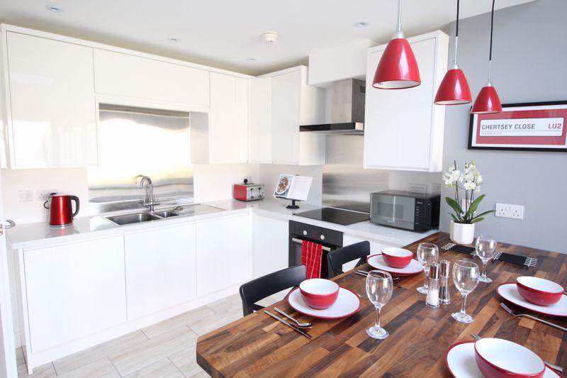 1 bedroom Apartment / Studio to rent in Chertsey Close, Luton - Photo 3