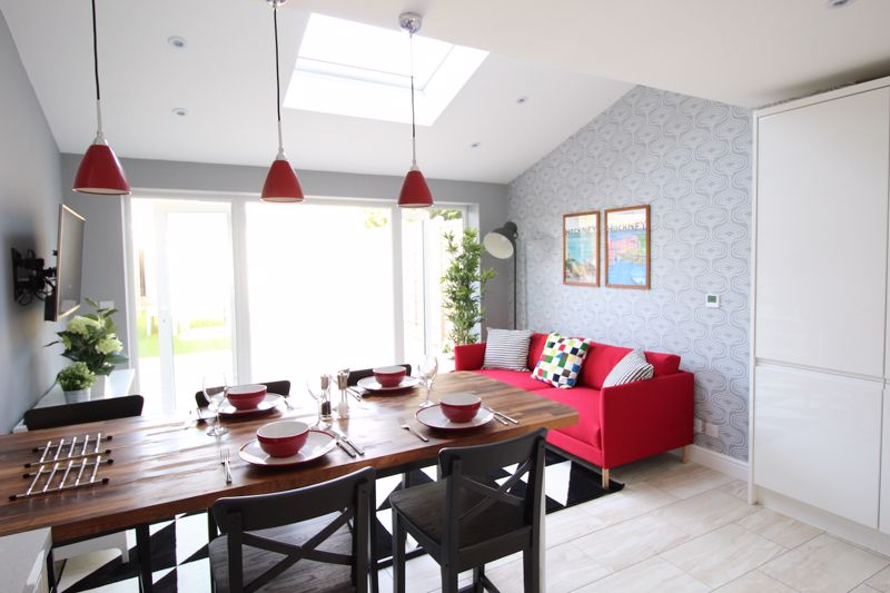 1 bedroom Apartment / Studio to rent in Chertsey Close, Luton - Photo 4