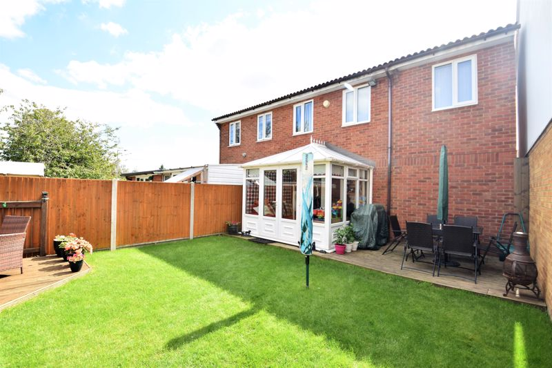3 bedroom Semi-Detached  to buy in Hedley Rise, Luton - Photo 14