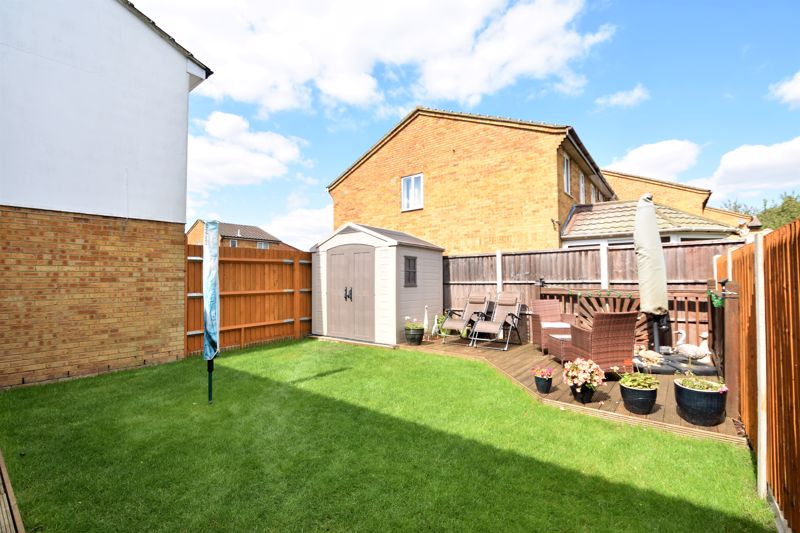 3 bedroom Semi-Detached  to buy in Hedley Rise, Luton - Photo 15