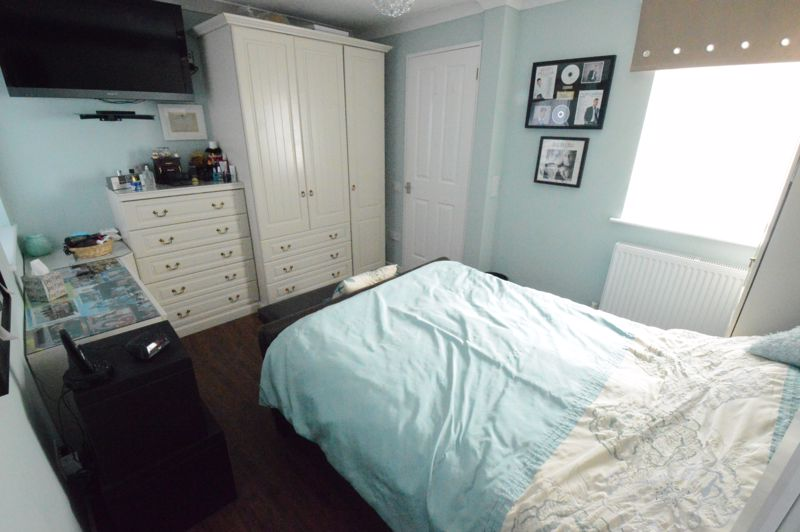 3 bedroom Semi-Detached  to buy in Hedley Rise, Luton - Photo 17