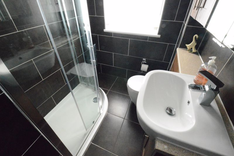 3 bedroom Semi-Detached  to buy in Hedley Rise, Luton - Photo 18