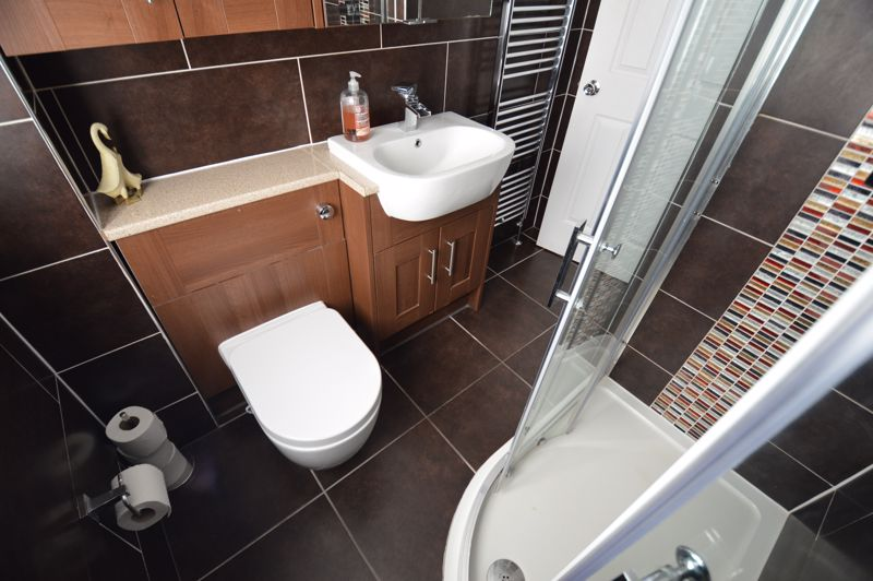 3 bedroom Semi-Detached  to buy in Hedley Rise, Luton - Photo 19