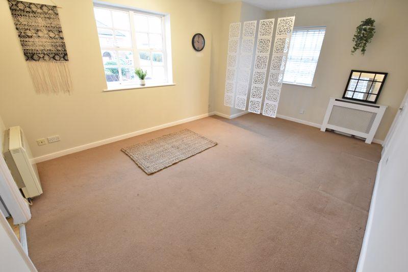 1 bedroom Apartment / Studio to buy in Skelton Close, Luton - Photo 6