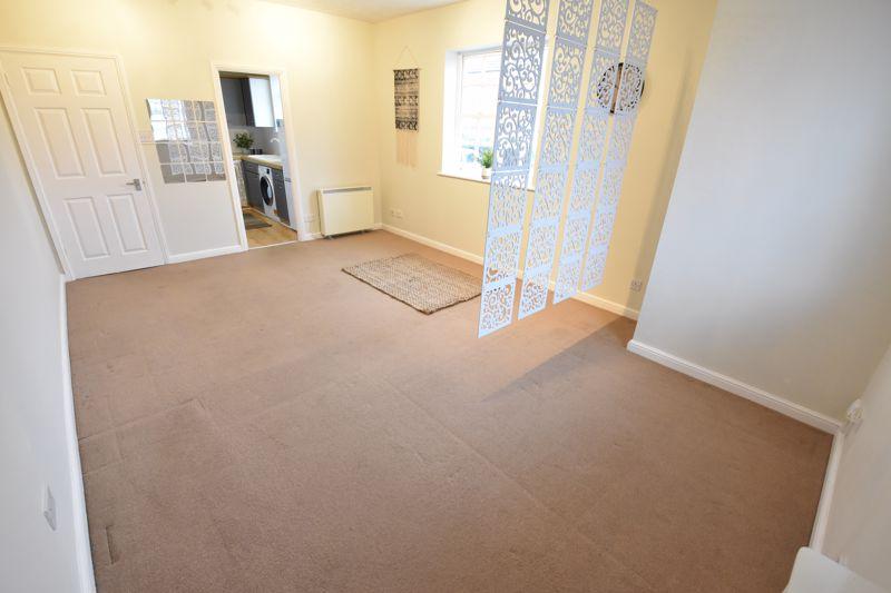 1 bedroom Apartment / Studio to buy in Skelton Close, Luton - Photo 8