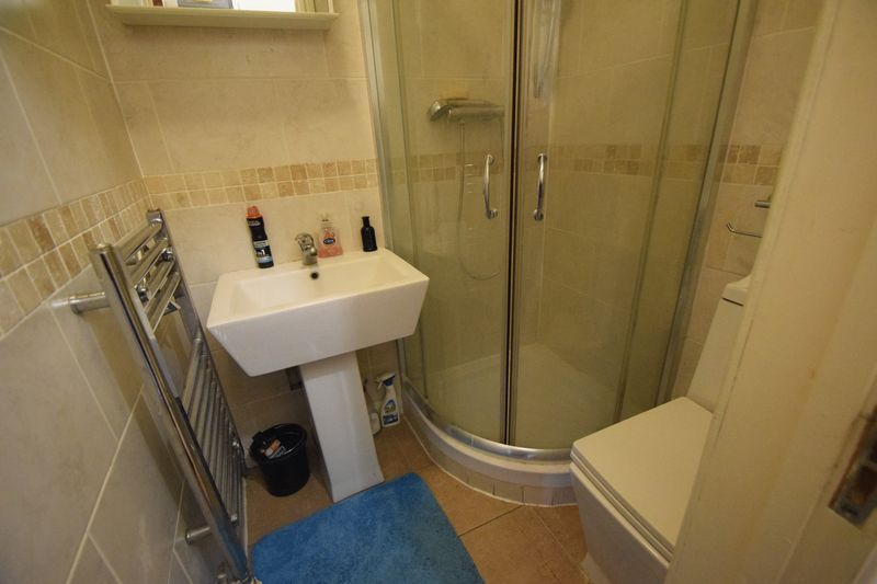9 bedroom Detached  to buy in Princess Street, Luton - Photo 3