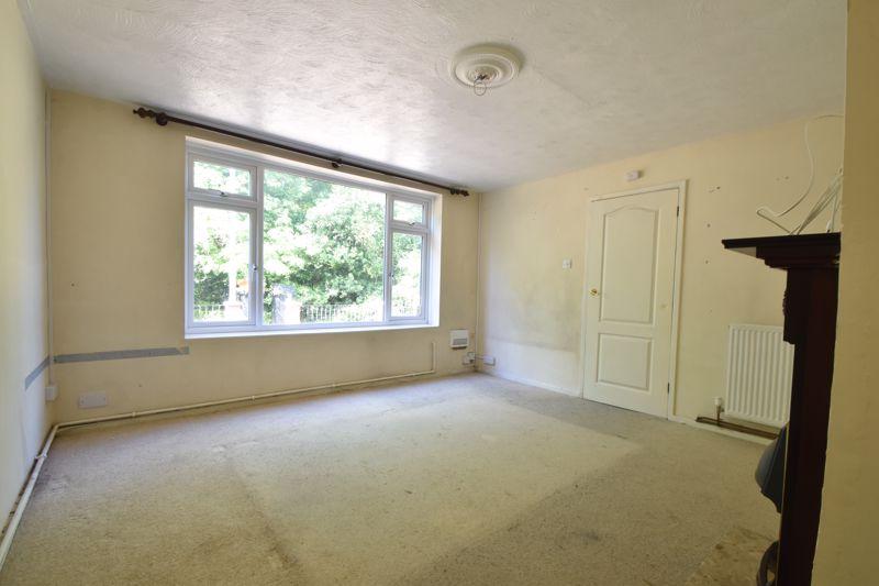 3 bedroom Mid Terrace to buy in Bedford Road, Dunstable - Photo 5