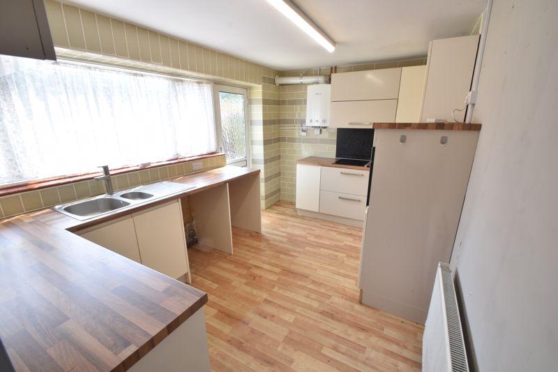 3 bedroom Mid Terrace to buy in Bedford Road, Dunstable - Photo 7