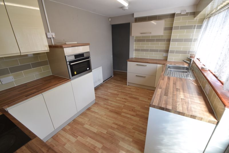 3 bedroom Mid Terrace to buy in Bedford Road, Dunstable - Photo 1
