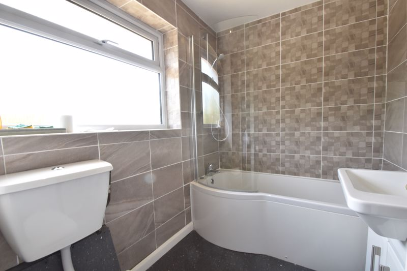 3 bedroom Mid Terrace to buy in Bedford Road, Dunstable - Photo 15