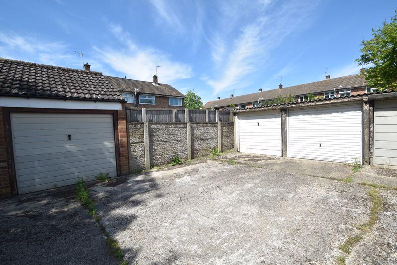 3 bedroom Mid Terrace to buy in Bedford Road, Dunstable - Photo 20