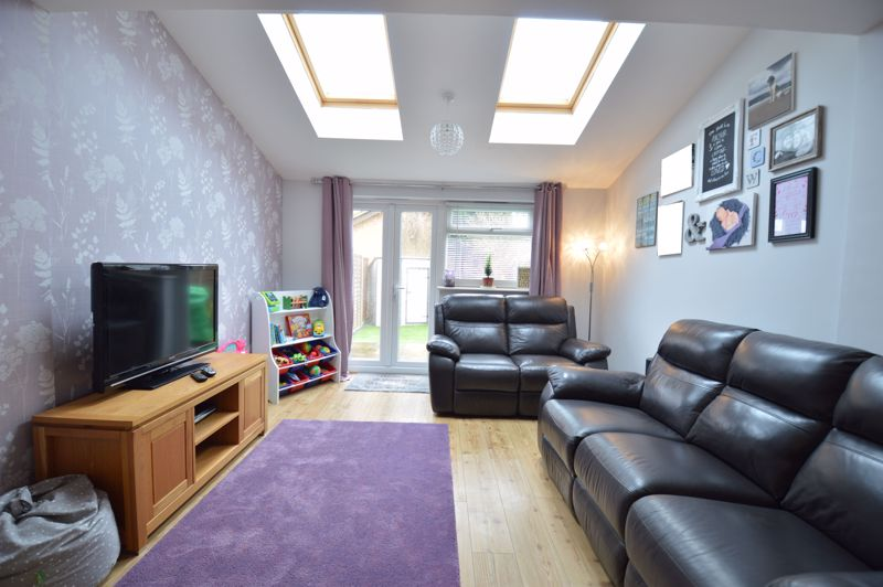 2 bedroom  to buy in Chalkdown, Luton - Photo 15
