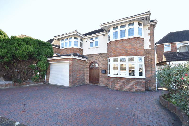 6 bedroom  to buy in Kingsdown Avenue, Luton