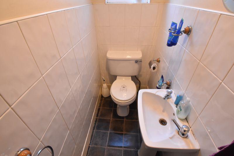 3 bedroom Mid Terrace to buy in Wimborne Road, Luton - Photo 7
