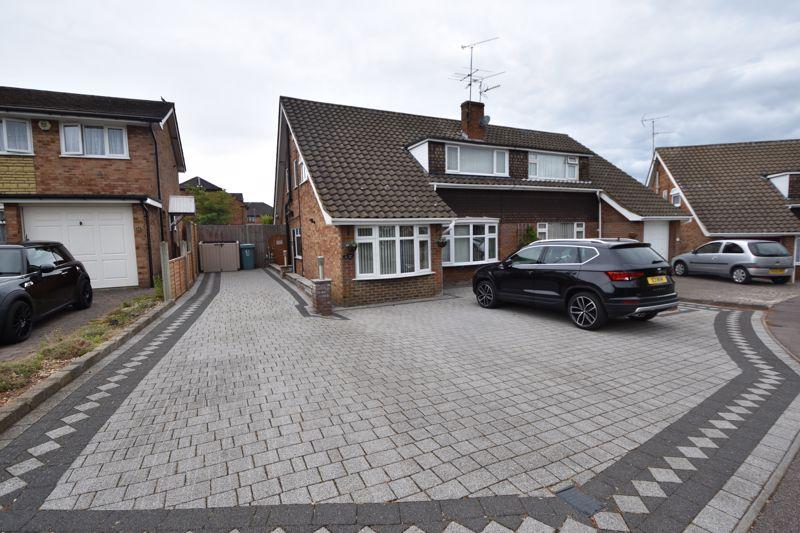4 bedroom Semi-Detached  to buy in Lambs Close, Dunstable