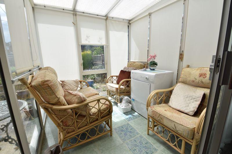 3 bedroom Semi-Detached  to buy in Shelton Way, Luton - Photo 4