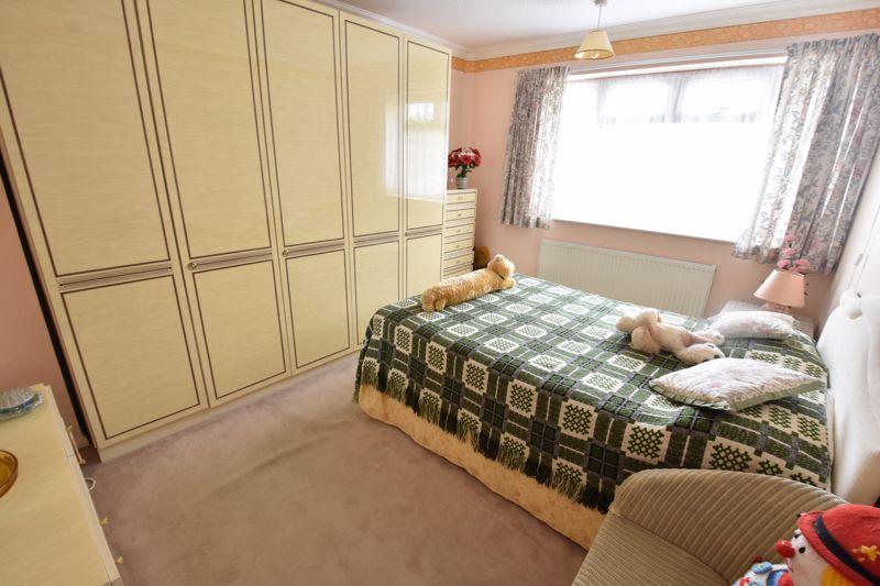3 bedroom Semi-Detached  to buy in Shelton Way, Luton - Photo 6