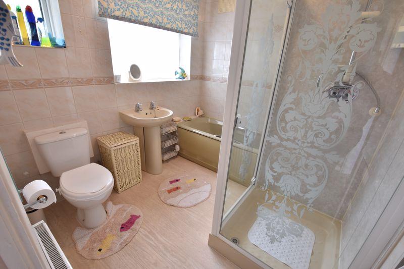 3 bedroom Semi-Detached  to buy in Shelton Way, Luton - Photo 8