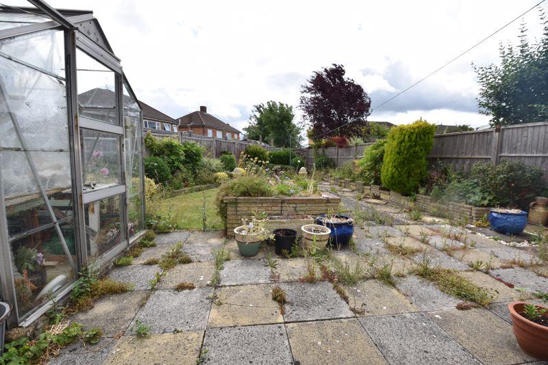 3 bedroom Semi-Detached  to buy in Shelton Way, Luton - Photo 9