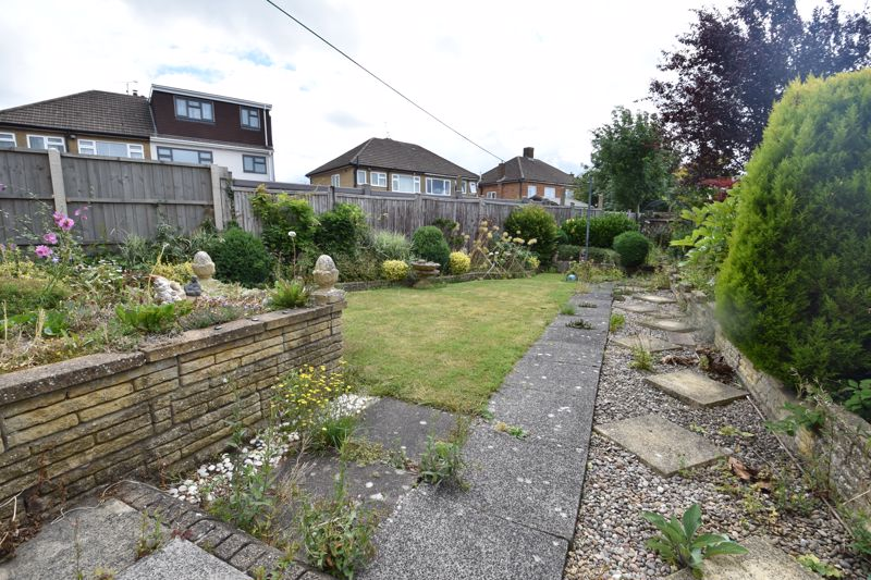 3 bedroom Semi-Detached  to buy in Shelton Way, Luton - Photo 10