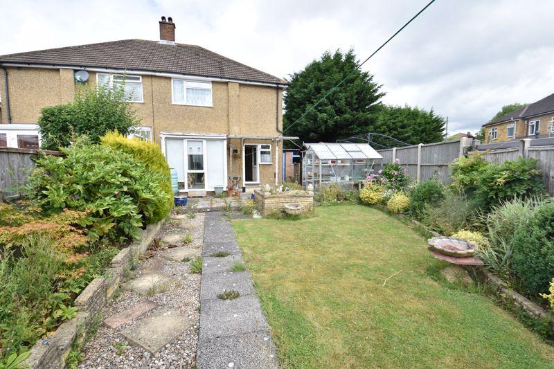 3 bedroom Semi-Detached  to buy in Shelton Way, Luton - Photo 11