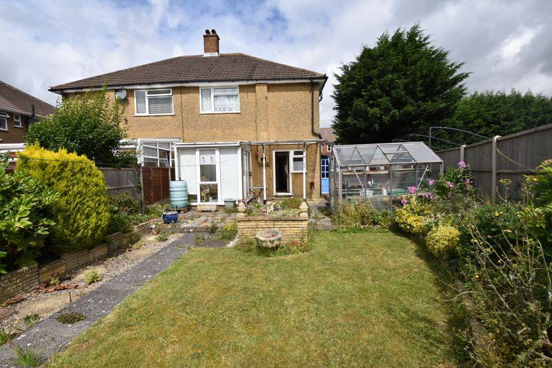 3 bedroom Semi-Detached  to buy in Shelton Way, Luton - Photo 14