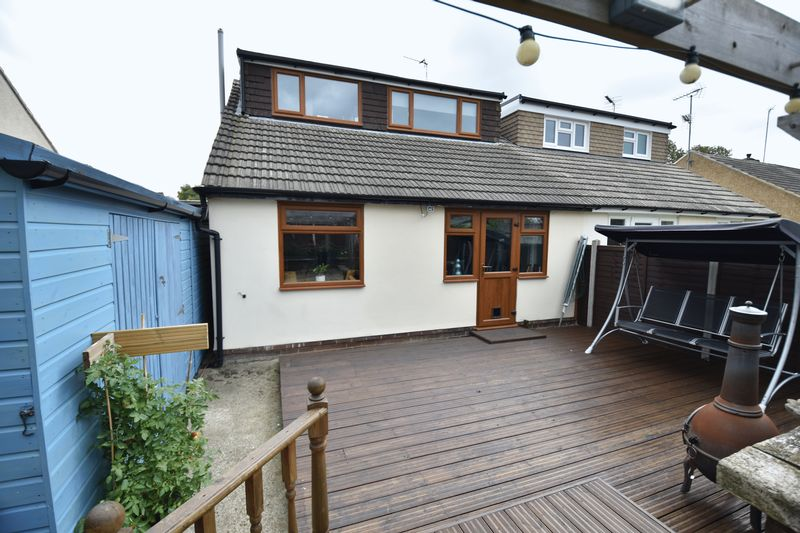 2 bedroom Bungalow to buy in Gooseberry Hill, Luton - Photo 21
