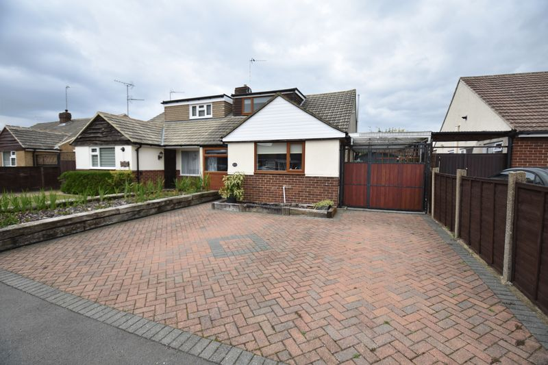 2 bedroom Bungalow to buy in Gooseberry Hill, Luton - Photo 1