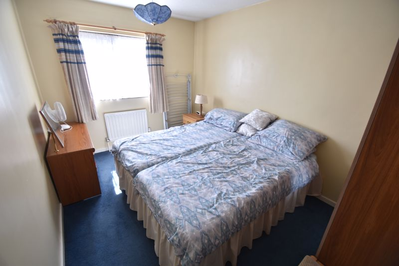 2 bedroom Mid Terrace to buy in Albion Court, Luton - Photo 8