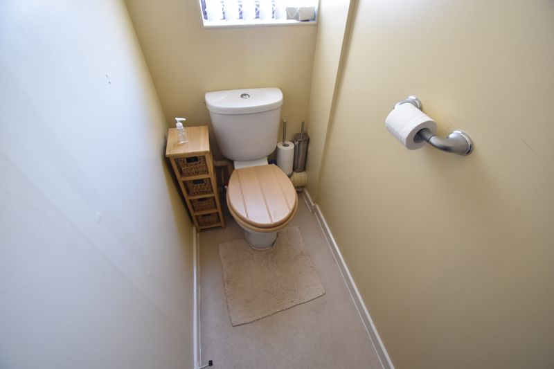 2 bedroom Mid Terrace to buy in Albion Court, Luton - Photo 10