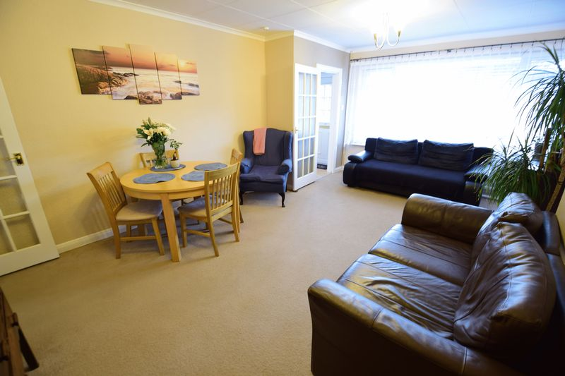 3 bedroom  to buy in Seabrook, Luton - Photo 5