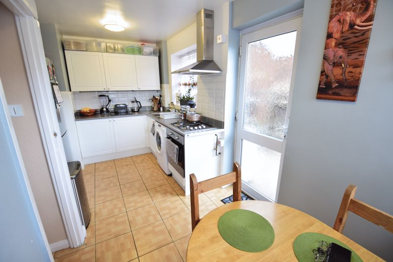 3 bedroom  to buy in Seabrook, Luton - Photo 9
