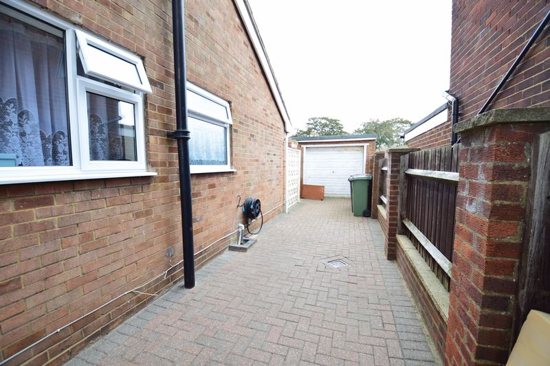 3 bedroom  to buy in Seabrook, Luton - Photo 10