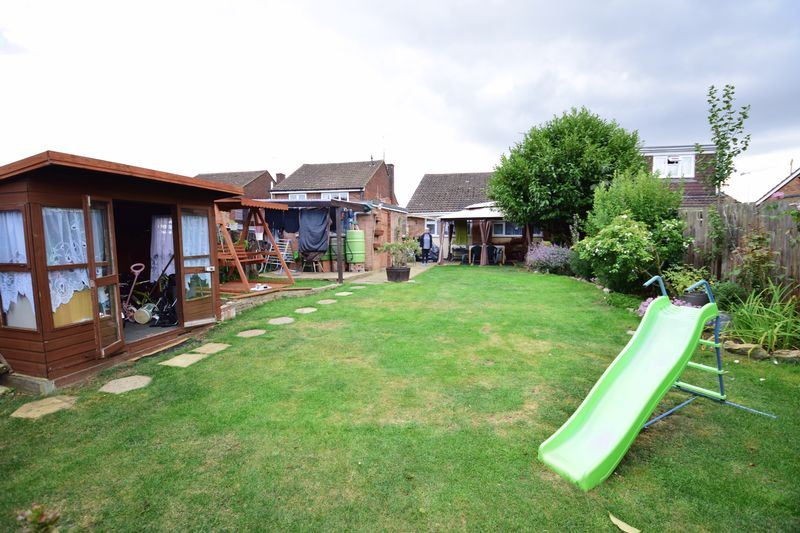 3 bedroom  to buy in Seabrook, Luton - Photo 12