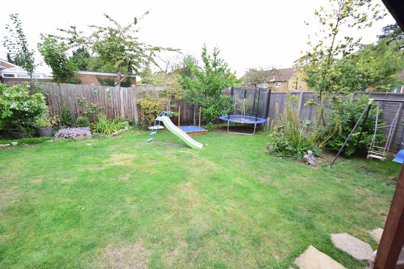 3 bedroom  to buy in Seabrook, Luton - Photo 13