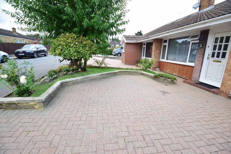 3 bedroom  to buy in Seabrook, Luton - Photo 15