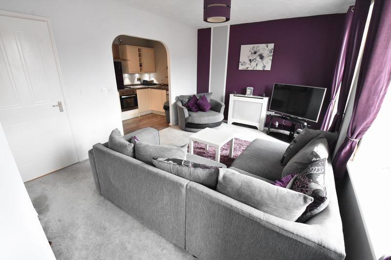2 bedroom Flat to buy in Grove Road, Luton - Photo 1