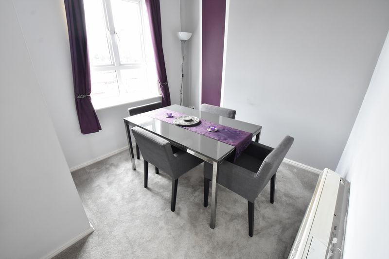 2 bedroom Flat to buy in Grove Road, Luton - Photo 2