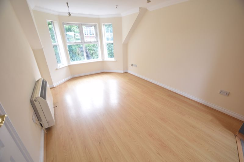 1 bedroom Flat to rent in Hitchin Road, Luton - Photo 1
